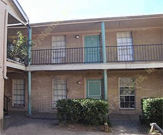 Country Club Village Apartments