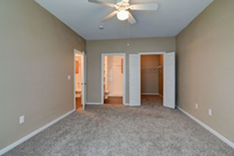 Bedroom at Listing #144428
