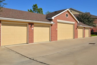 Covered Garage at Listing #144211
