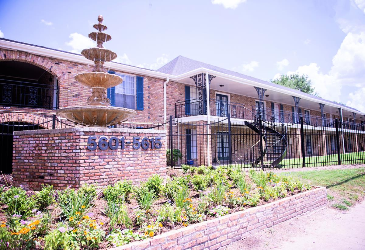 Fountains at Chimney Rock Rd Apartments Houston TX
