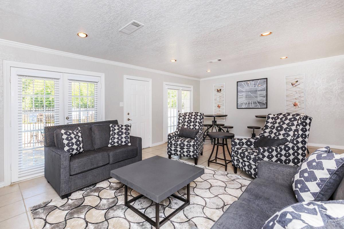 Lounge at Listing #137188