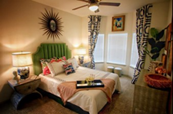 Bedroom at Listing #292878