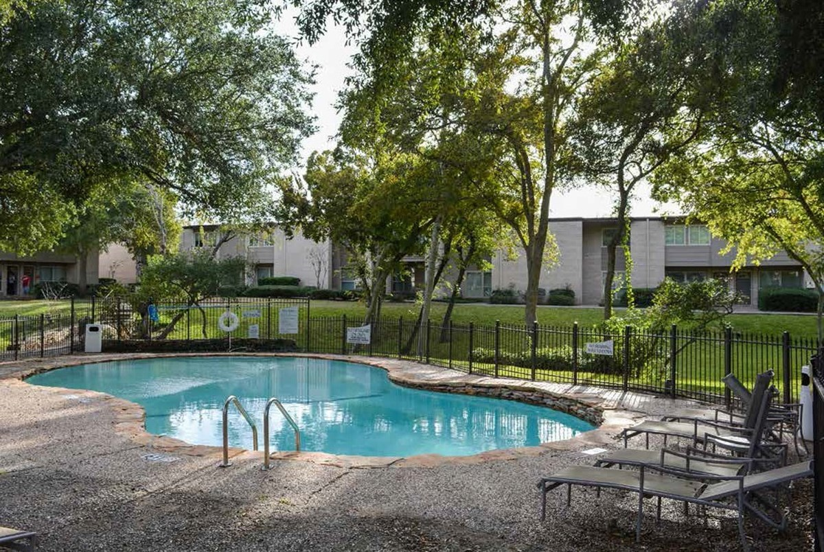 Pool at Listing #138267