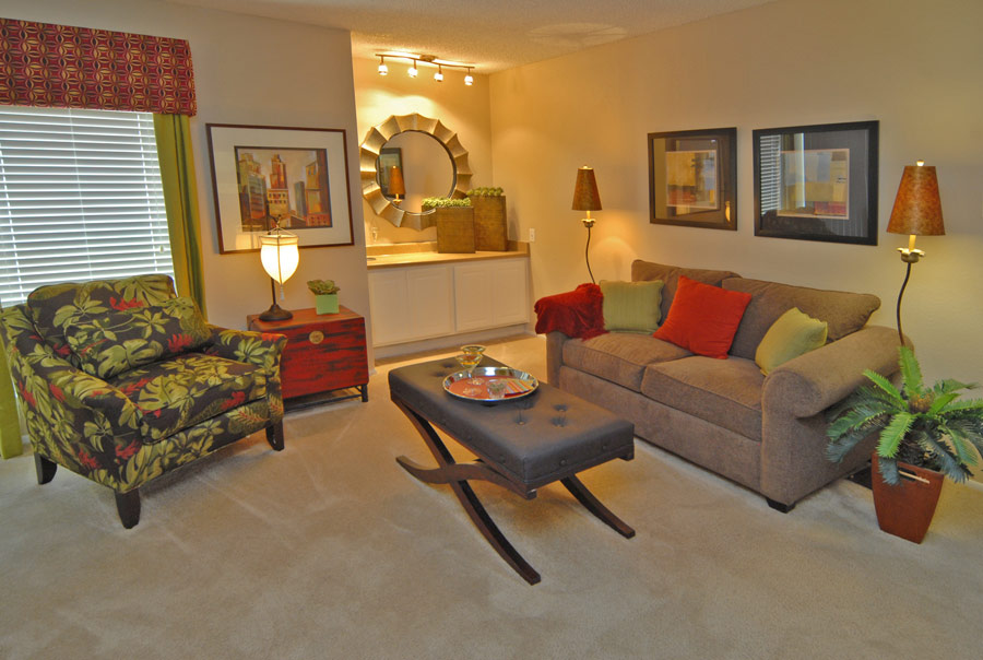Living Area at Listing #141059