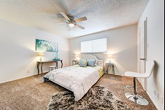 Bedroom at Listing #140404