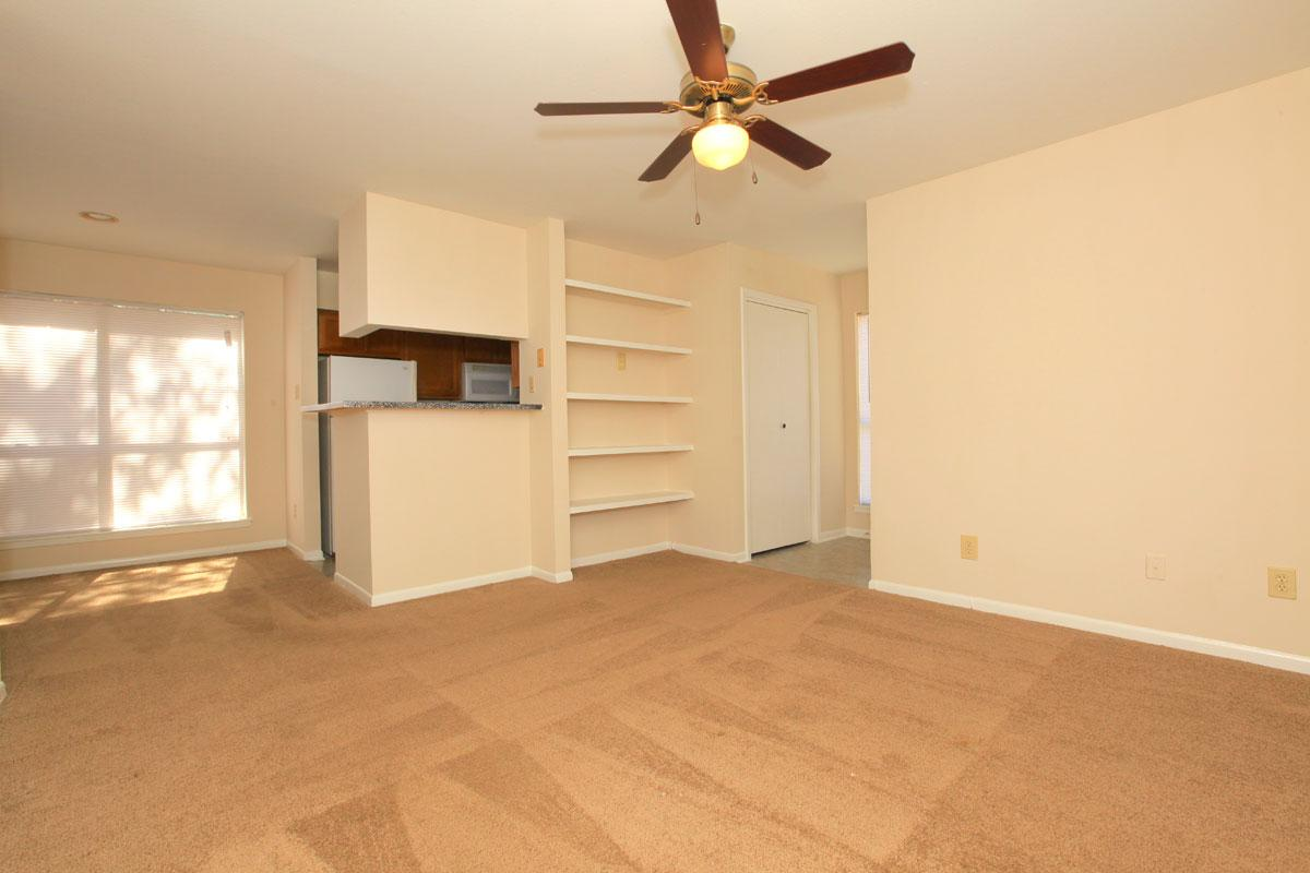 Living at Listing #138401