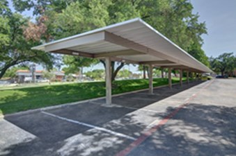 Covered Parking at Listing #135946