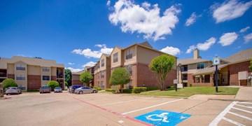 Cross Creek Apartments Plano TX