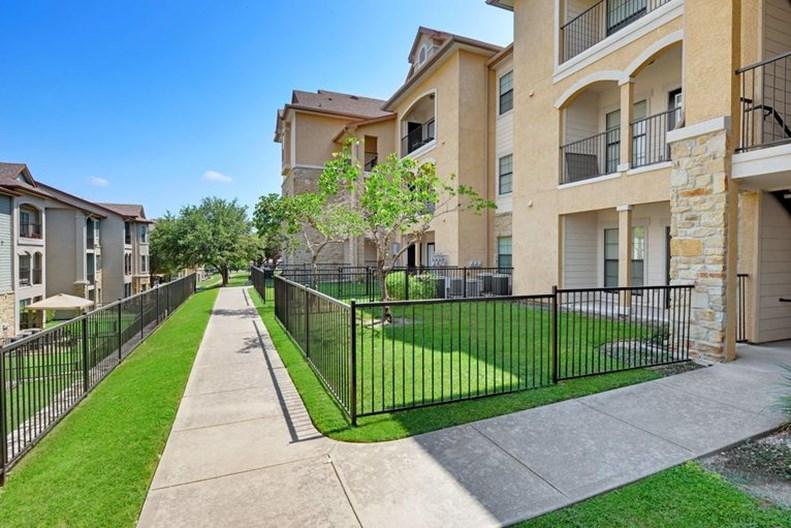 Austin City Lights Apartments
