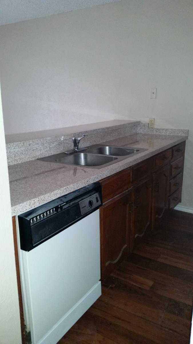 1 bdrm kitchen at Listing #217963