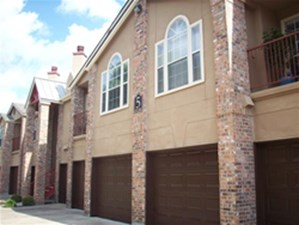 Exterior at Listing #140587