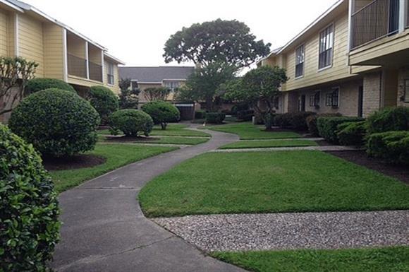 Tiffany Bay Apartments Houston, TX