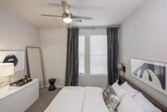 Bedroom at Listing #140641