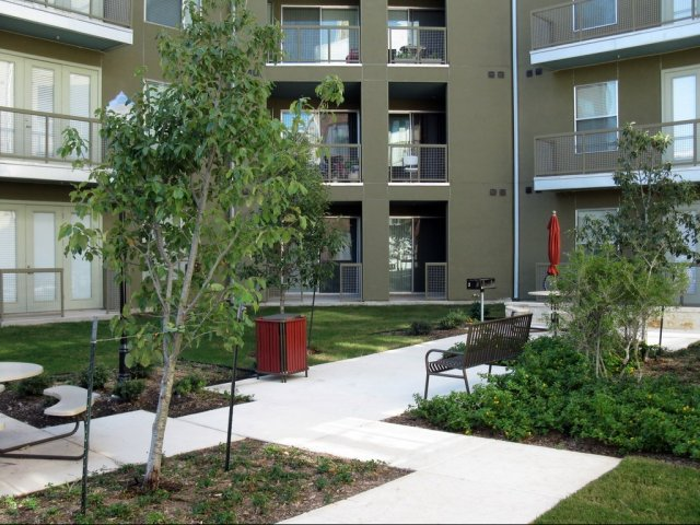 Courtyard at Listing #150535
