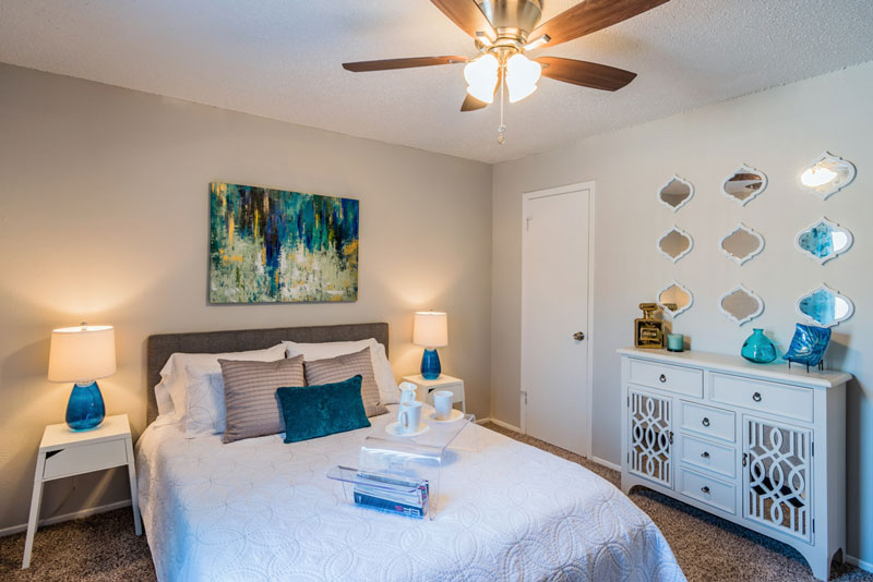 Bedroom at Listing #136043