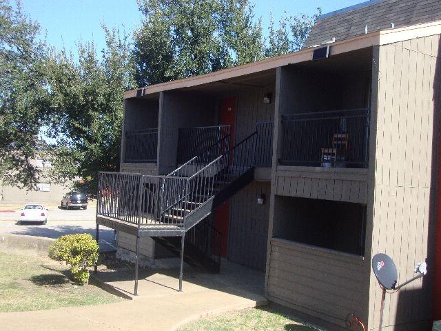 Brandon Oaks Apartments Arlington TX