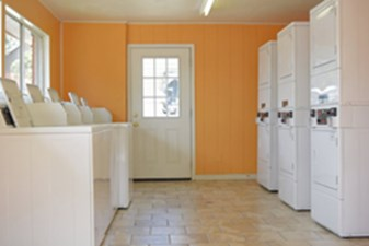 Laundry at Listing #141418