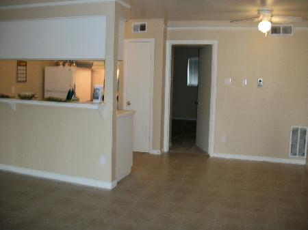 Dining at Listing #139580