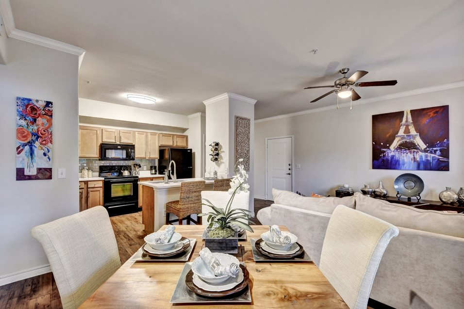Dinning/Kitchen at Listing #145780