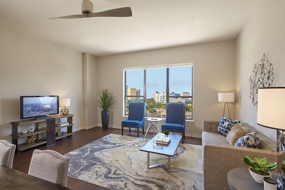Living at Listing #283245