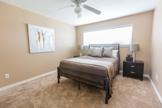 Bedroom at Listing #260067