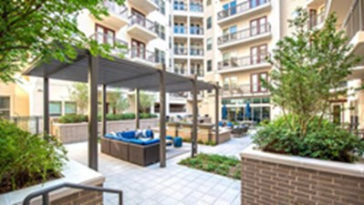 Courtyard at Listing #292531