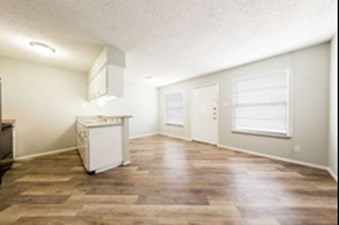 Living/Kitchen at Listing #140913