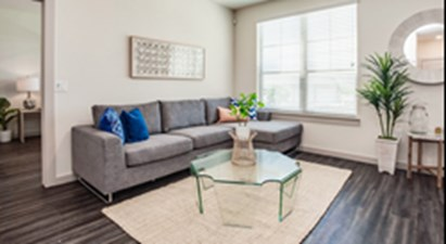 Living Area at Listing #304873
