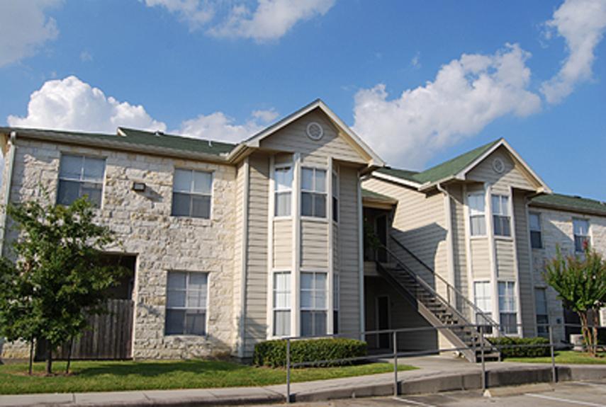 Stone Brook I & II Apartments Baytown TX