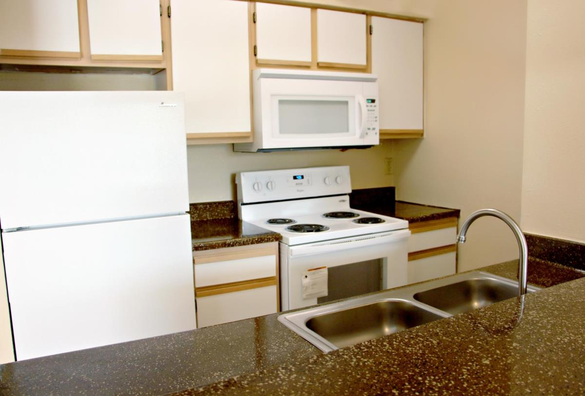 Kitchen at Listing #136008