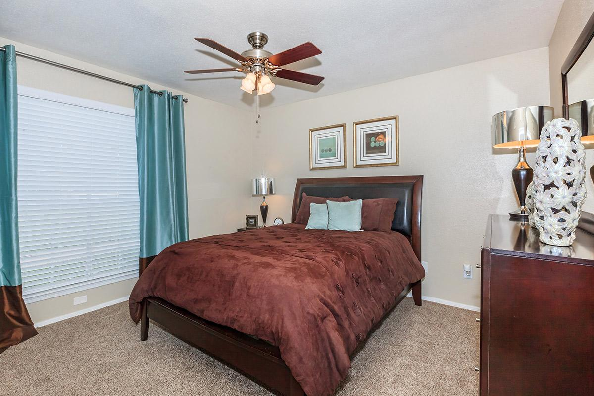 Bedroom at Listing #136484