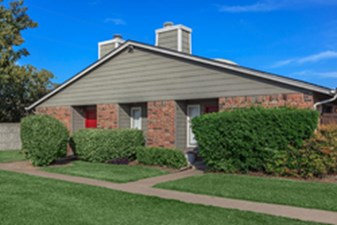 Exterior at Listing #135808