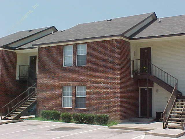 Davis Plaza Apartments