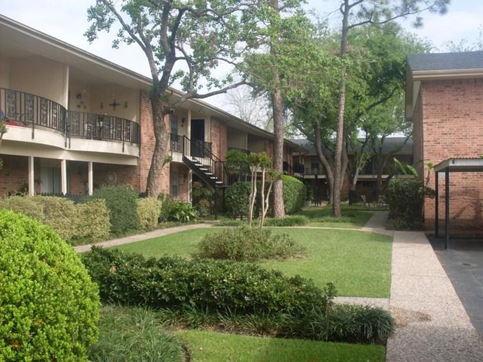 Colony Oaks Apartments