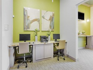 Business Center at Listing #138926