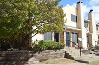 Exterior at Listing #137643