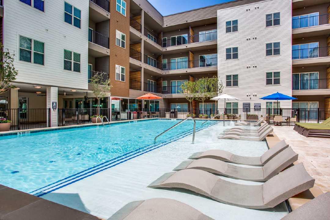 Pool at Listing #262895
