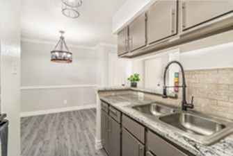 Dining/Kitchen at Listing #138873