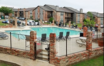Pool at Listing #137542