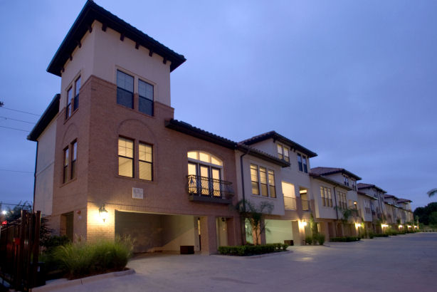 Exterior at Listing #139103