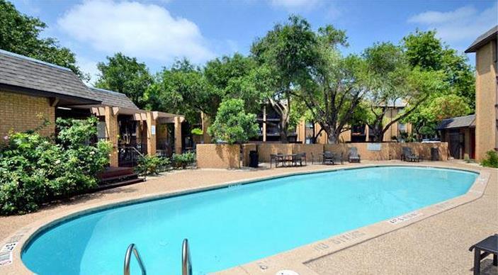 Pool at Listing #140364