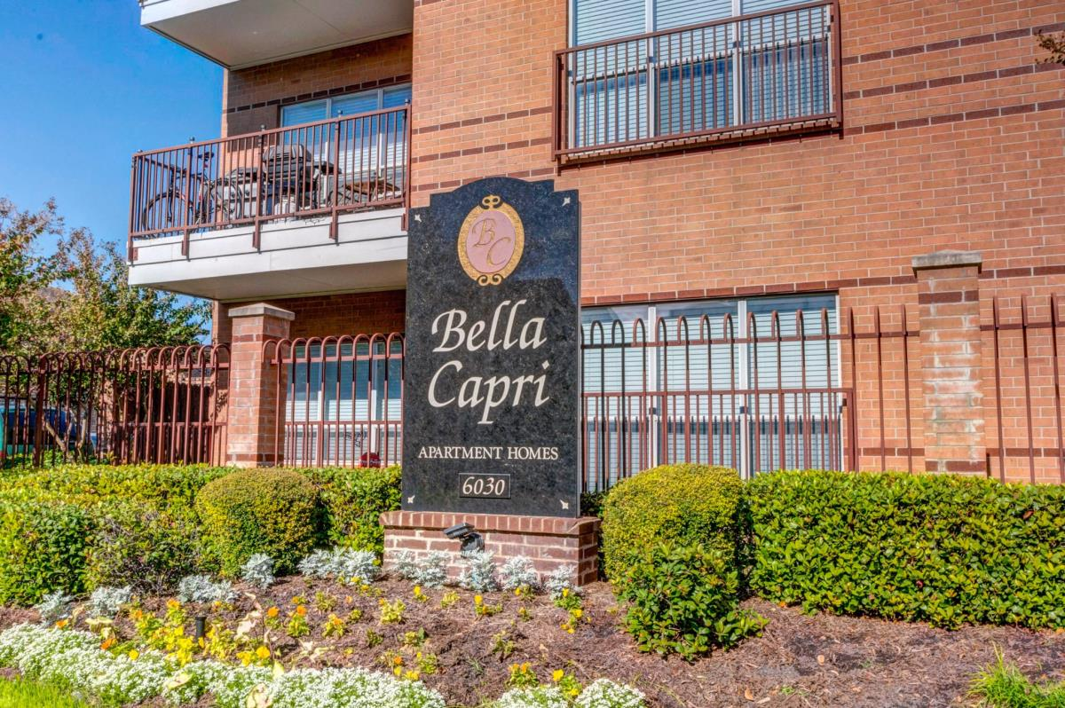 Bella Capri Apartments Houston TX