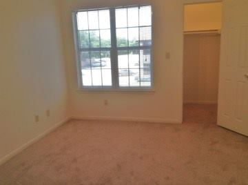 Bedroom at Listing #145797
