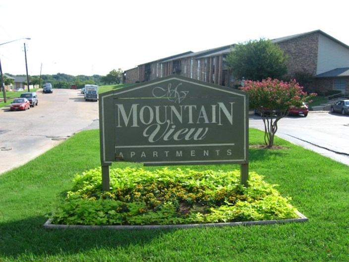 Mountain View Dallas - $799+ for 1, 2 & 3 Bed Apts