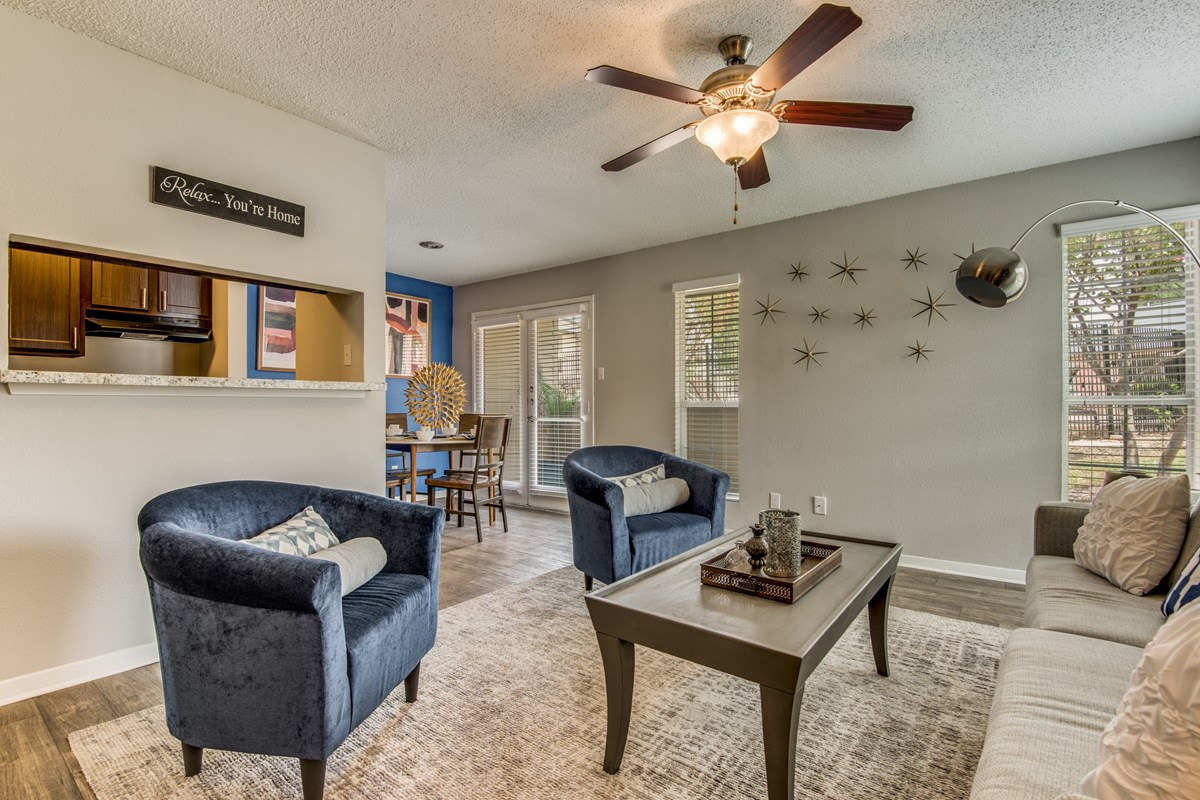 Living/Dining at Listing #141385