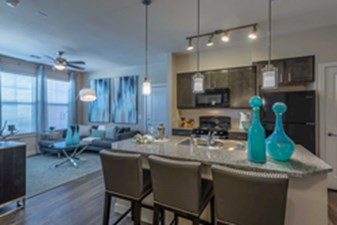 Dining/Kitchen at Listing #330033