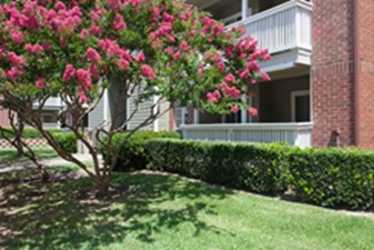 Exterior at Listing #135964