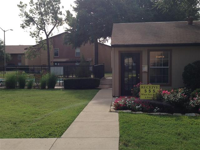 Exterior at Listing #137949