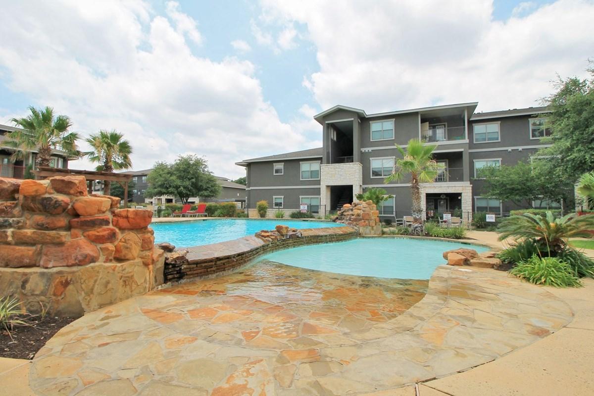 Redland Apartments San Antonio TX