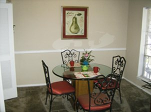 Dining at Listing #139922